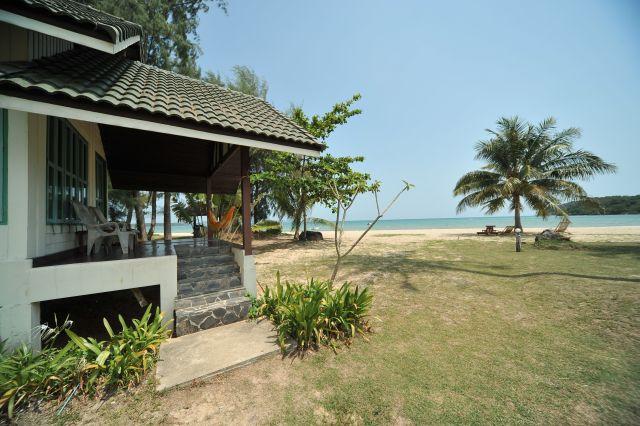 holiday-beach-apr10-11