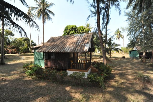 tk-hut-resort-apr10-03