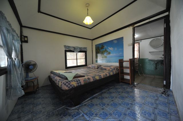 tk-hut-resort-apr10-06